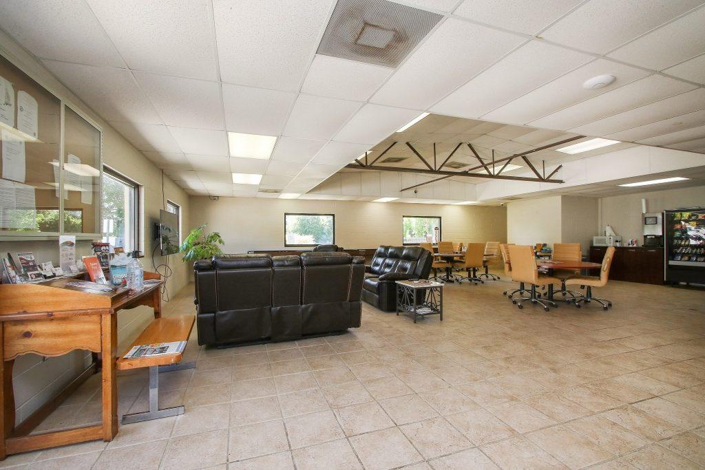 Corral RV Resort Lounge