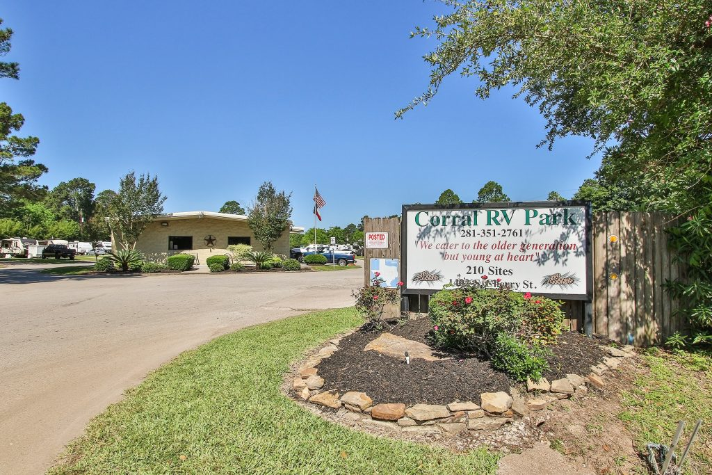 Corral RV Resort Office and Sign